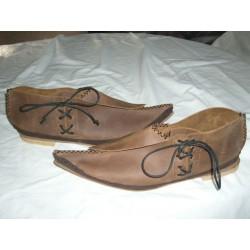 Zapato caballero medieval