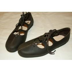 Zapato medieval negro
