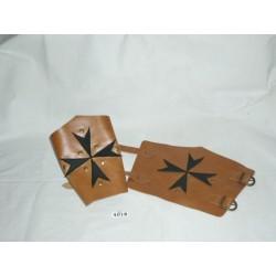 brazalete-cruz-de-malta-marron-negro