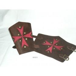 brazalete-cruz-de-malta-cuero-rojo